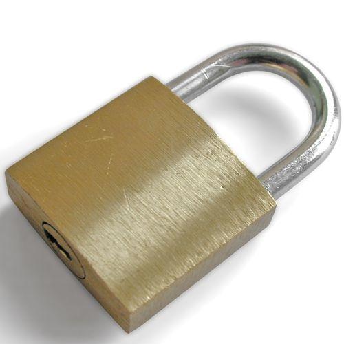 Komplet Lokota sa istim ključem
